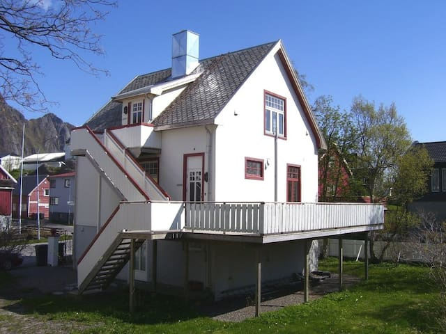 Villa Svolvær small studio - Svolvær - Apartmen