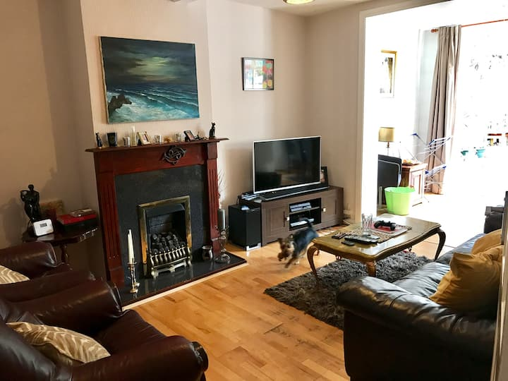 Cosy single room for Female Only close to Central