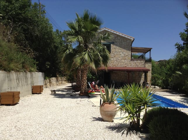 Beautiful Stone house with pool - Giolou - Talo
