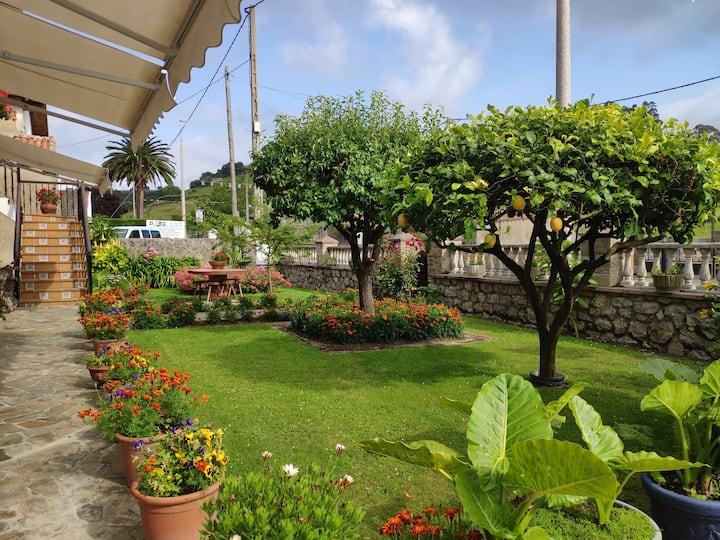 Casa con jardín cerca de Santillana del Mar