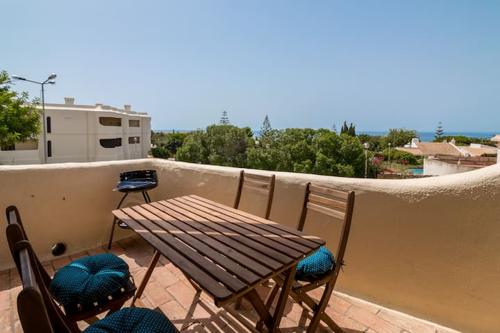 Studio Apt With Sea Views & Close To Town Centre