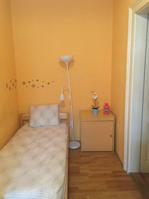 youhome 1 wohnungen zur miete in budapest budapest ungarn. Black Bedroom Furniture Sets. Home Design Ideas