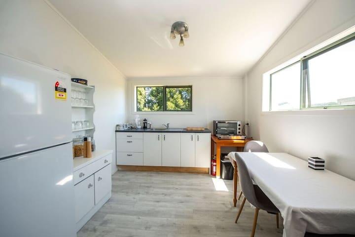 Hills Vista Lodge- Farm View Bed and Breakfast