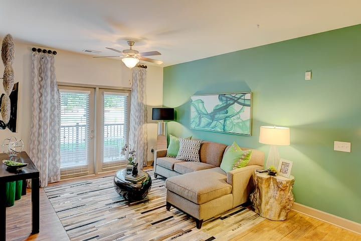 Relax in comfort | 1BR in Raleigh