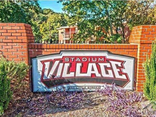 Stadium Village Apartment