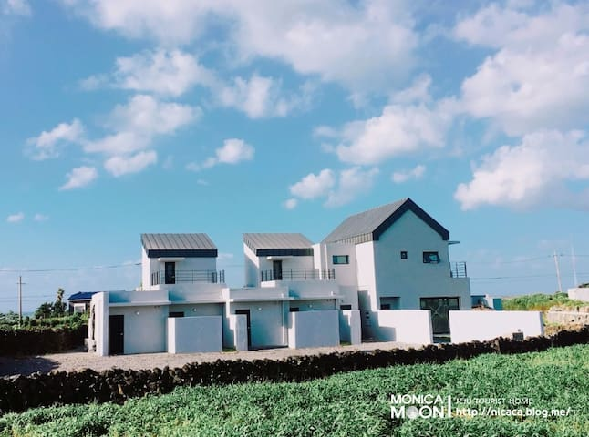 아름다운 김녕해수욕장 바로옆 모니카문-원룸형