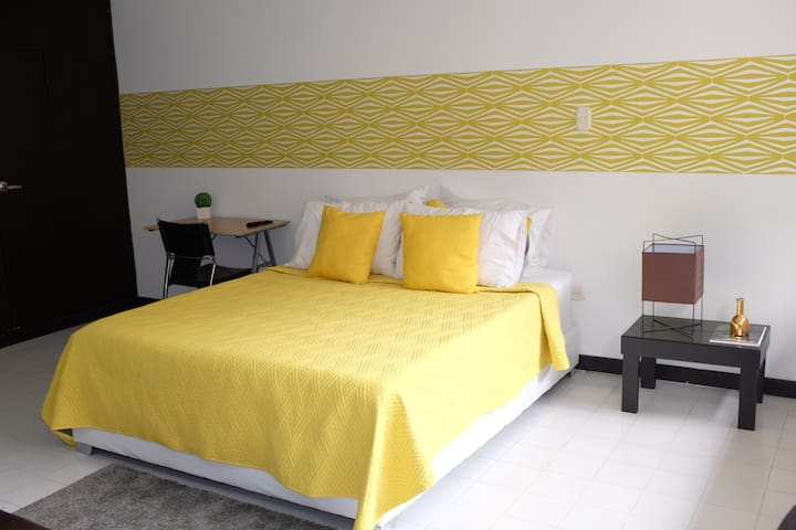 Confortable 1-bed in Upscale Santa Teresita by Zoo - Cali - Wohnung