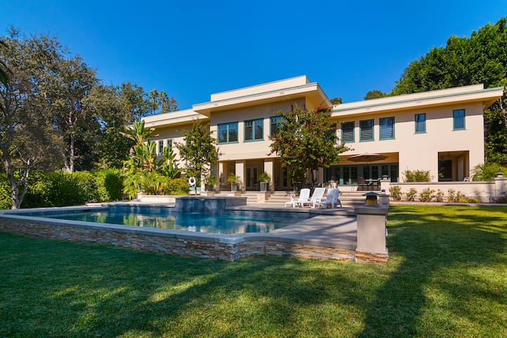 Luxury Private Estate in Pasadena with Pool & Spa