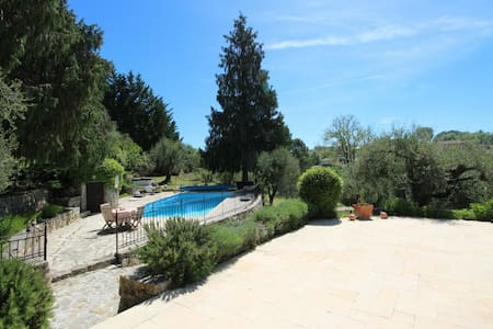 Studio in the country, 20 min. from Airport Nice - Le Rouret - Apartment