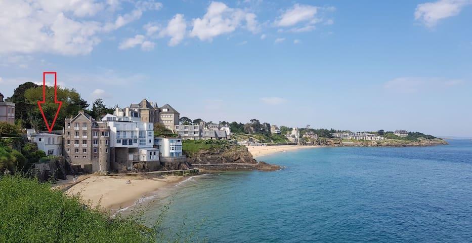 Logement  les pieds dans l'eau  face à la mer