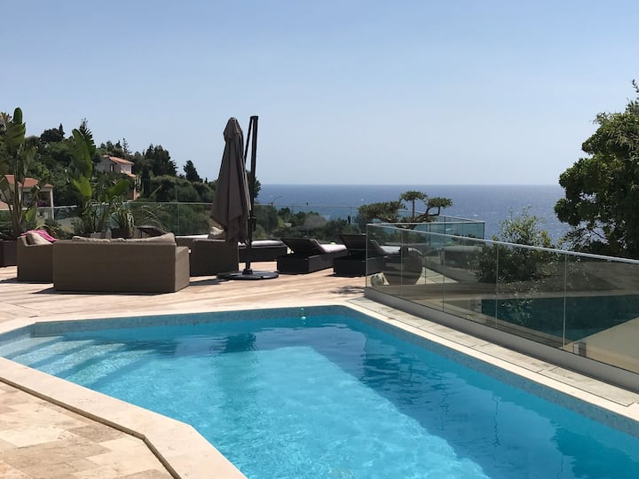 Superbe villa vue mer piscine jacuzzi