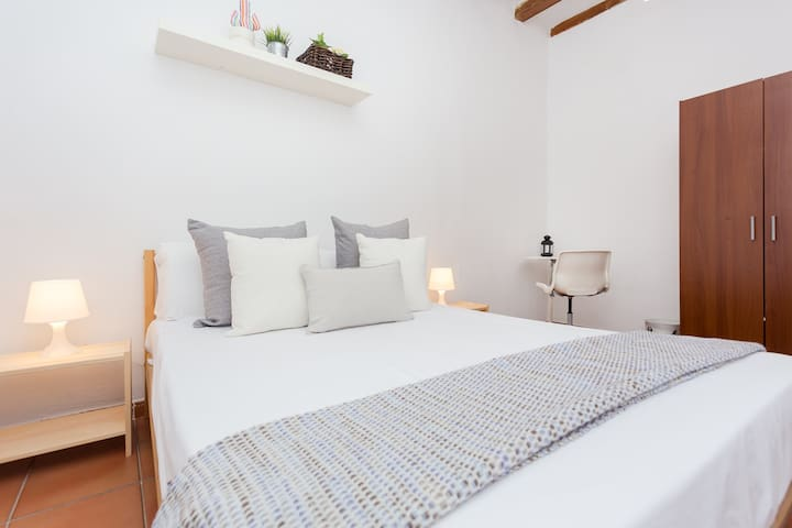 Great Room (#2) 1 minute far from Arc de Triomf