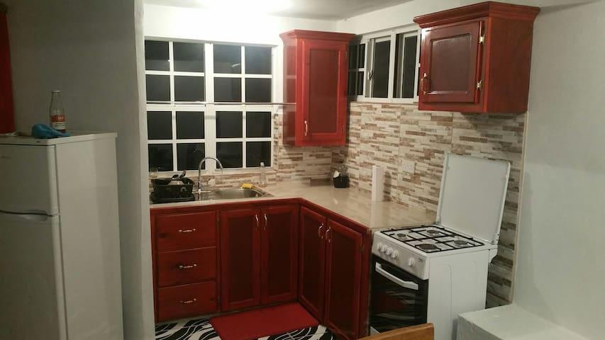 Jevine Home Rentals - STUDIO APARTMENT