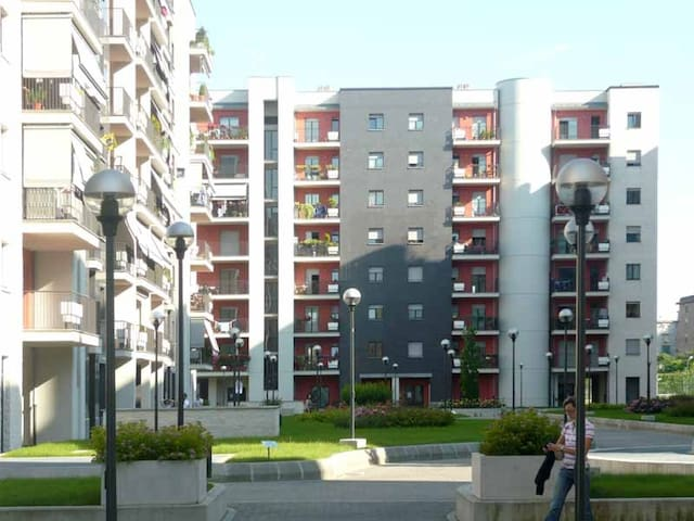 Comfortable apartment close to the metro