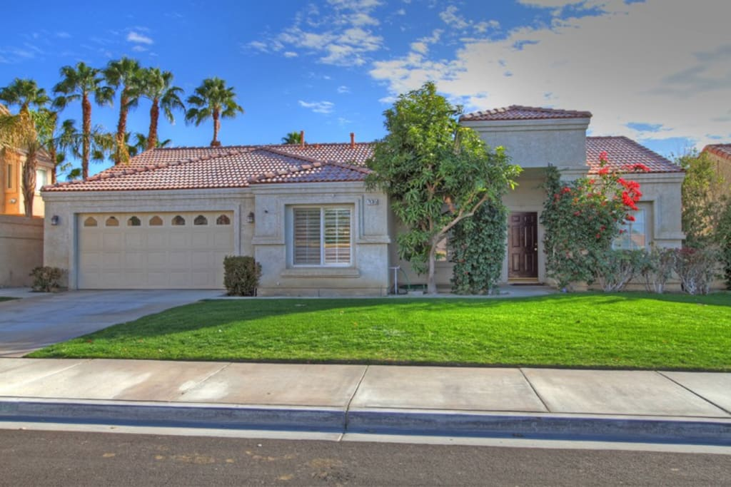 Beautiful neighborhood with parking available in driveway and street