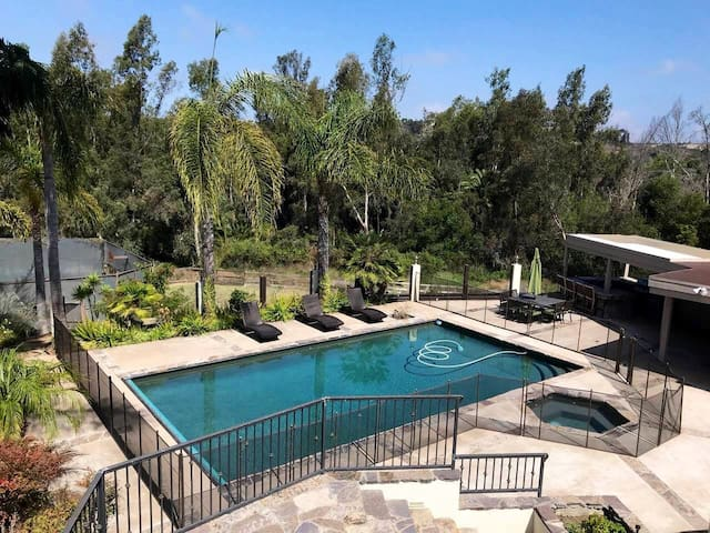 Upscale Guest House with Pool, Spa, Tennis and BBQ