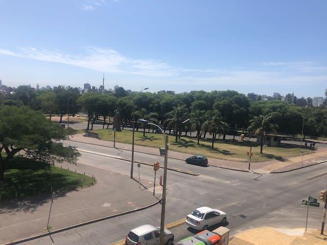 Tu lugar en Montevideo,  la puesta del sol.