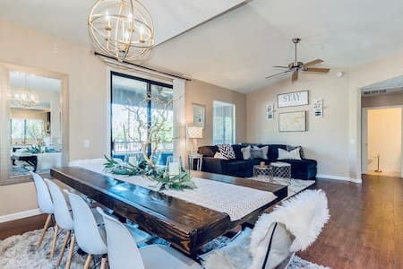 Gorgeous, Deep cleaned, Scottsdale Condo!