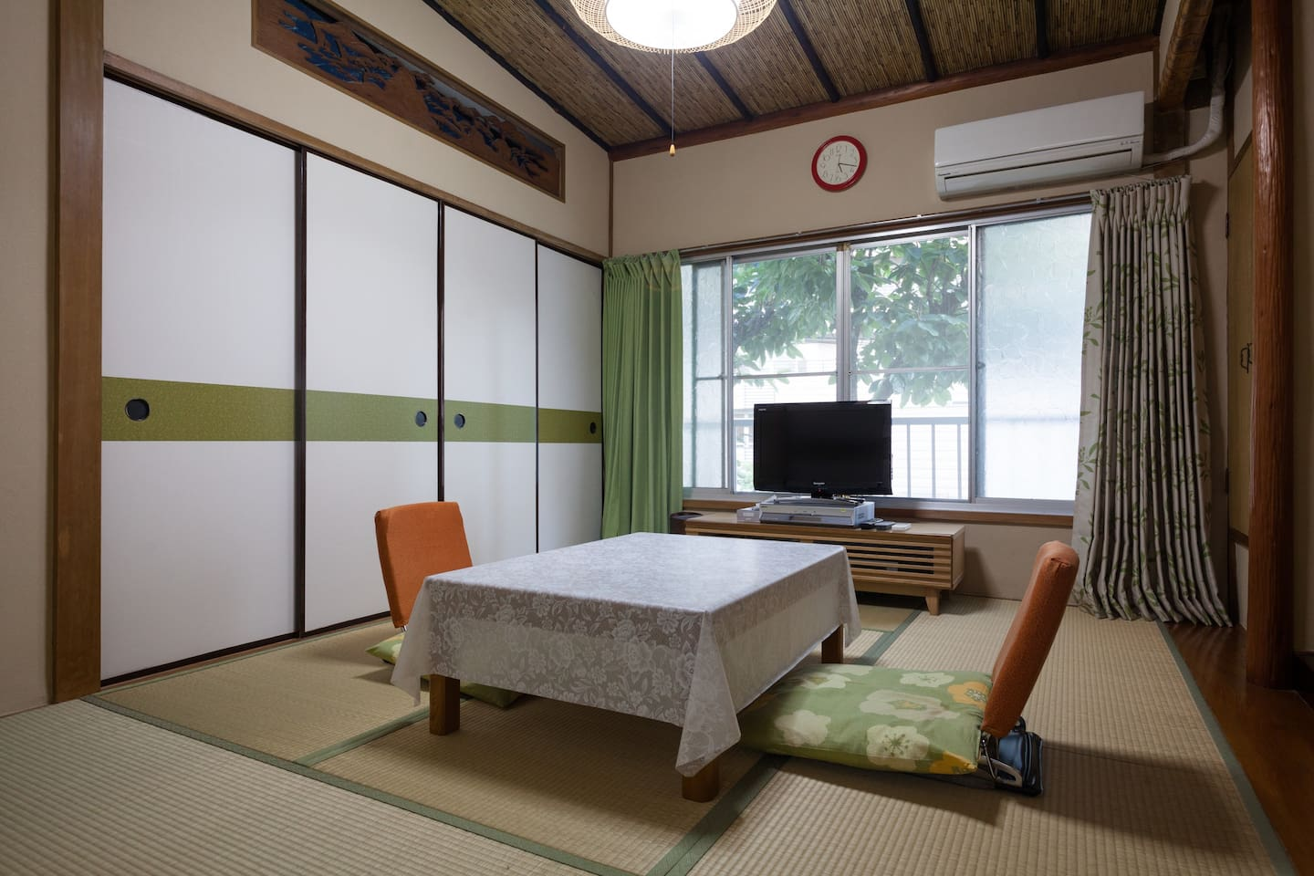 This is traditional tatami-room.