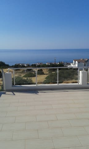 Apt: Stunning Sea & Mountain Views! With Pool+Gym! - Esentepe