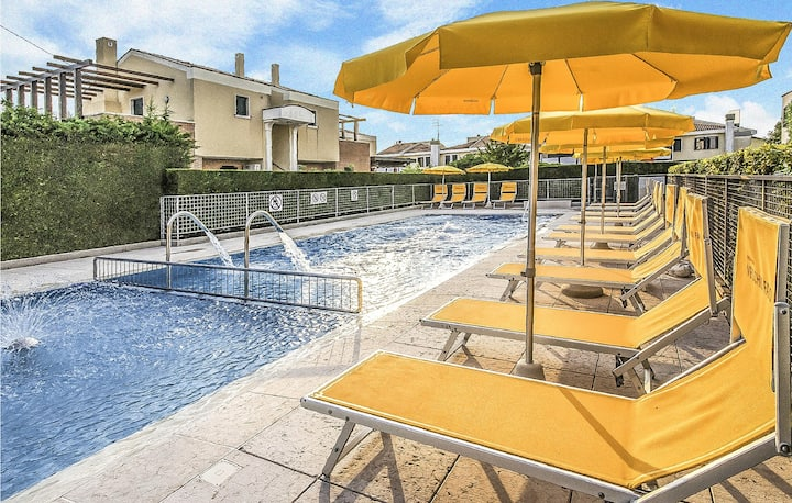 Amazing apartment in Cavallino-Treporti with Outdoor swimming pool and 1 Bedrooms
