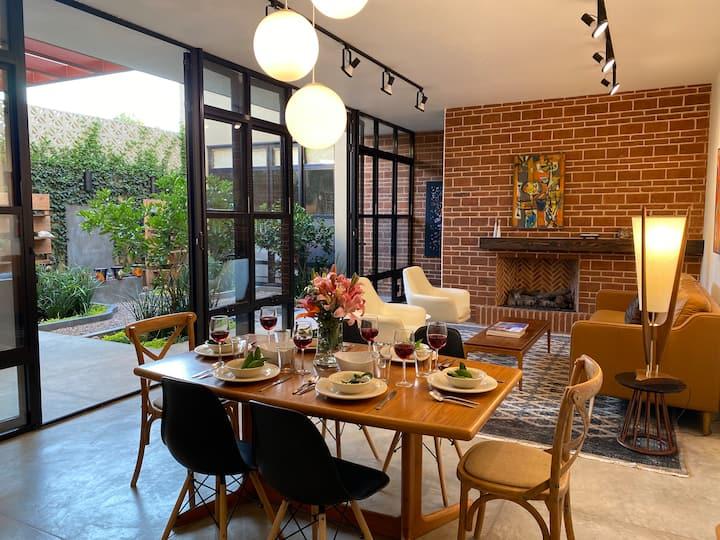 Casa Eliza Rose  Comfort, Luxury , Convenience!