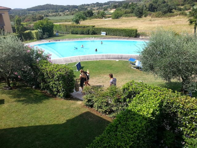 Very nice view, AC, Pool & Garage!! - Costermano - Huoneisto