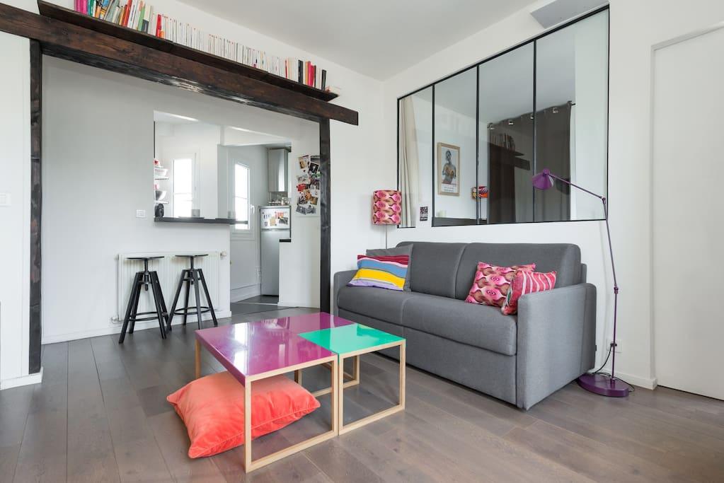 appart design sous les toits 10e appartamenti in affitto a parigi idf francia. Black Bedroom Furniture Sets. Home Design Ideas