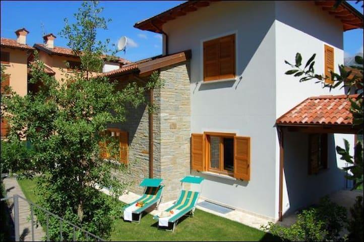 VILLA CONTADINA - Colico - Villa