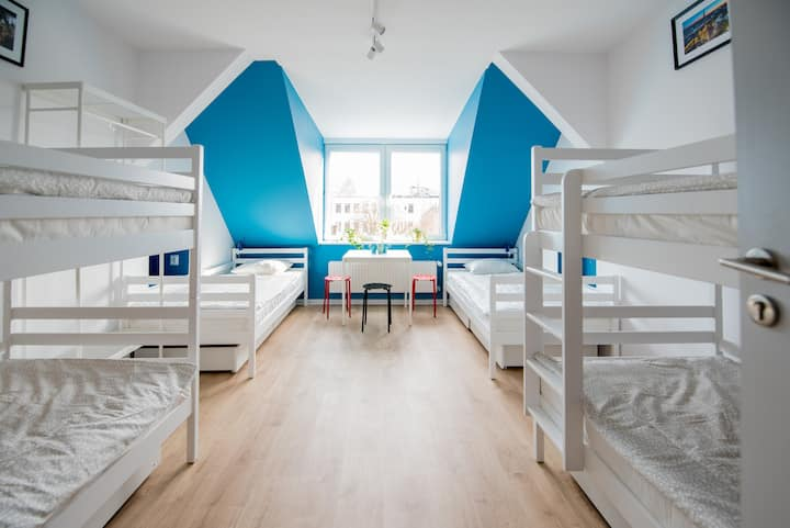 Bed in a 6-Bed Dormitory Room in the city centre