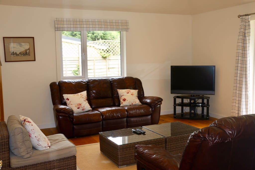 Perfect for unwinding and socialising in or just watching the TV...