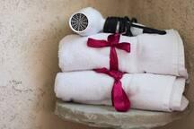 Proporcionamos toallas y secadora