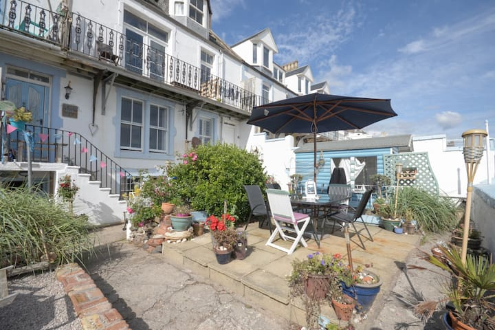 Cosy cottage home leading to beach - Lower Largo