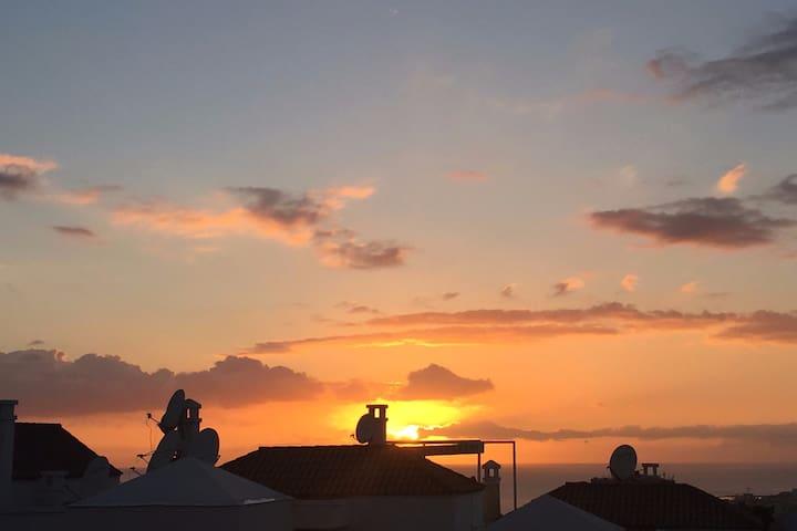 LOS CRISTIANOS: mare, tramonti e relax - Arona - Departamento