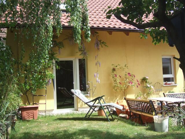 Knusperhäuschen im alten Ortskern - Wiesbaden - Dům