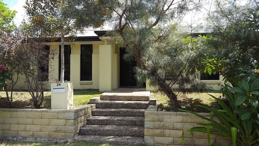 COOMERA 3 bedroom house - Coomera - House