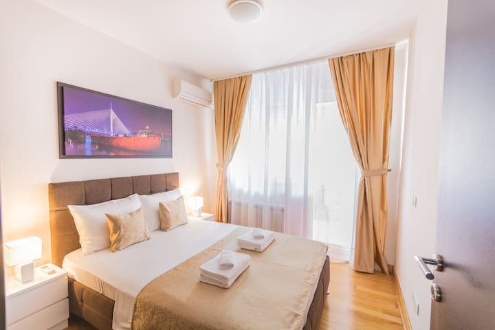 ApartHotel FeelBelgrade - 2 bedroom apartment A101