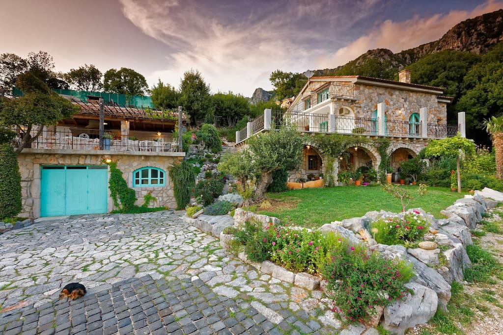 Cozy day at Villa Mirabilis where everyone feels peaceful