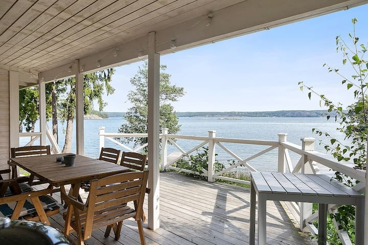 *Dreamy House w. private dock by the Baltic sea*