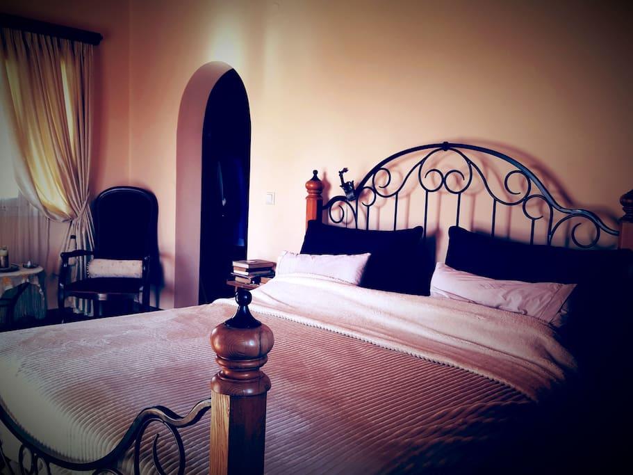 Array master bedroom