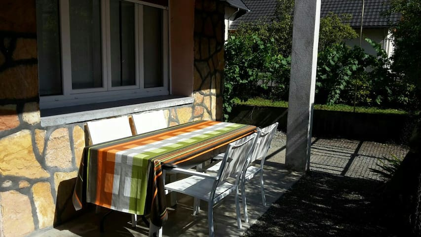 affordable and convenient flat in bourg d'oisans - Le Bourg-d'Oisans - Lägenhet