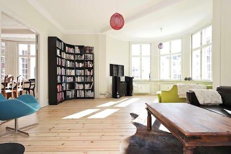 Classic apartment in Copenhagen