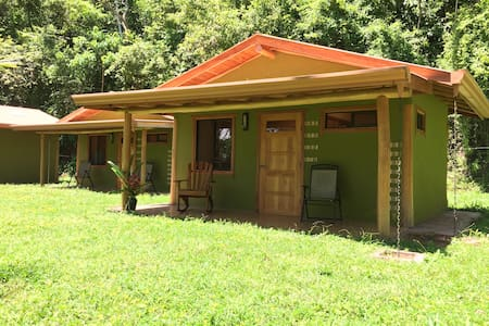 Tranquil Cabins in Yoga Retreat - Belen district