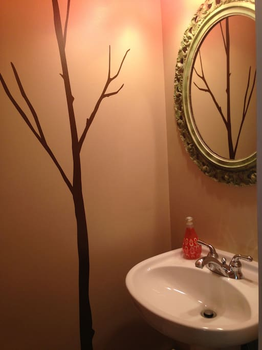 1st fl. powder room