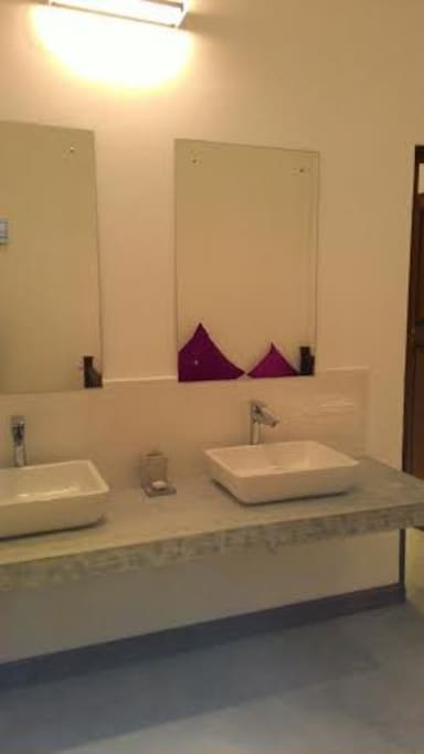 Studio villa room chambres d 39 h tes louer irrakkakandi eastern province sri lanka - Chambre d hote ruoms ...