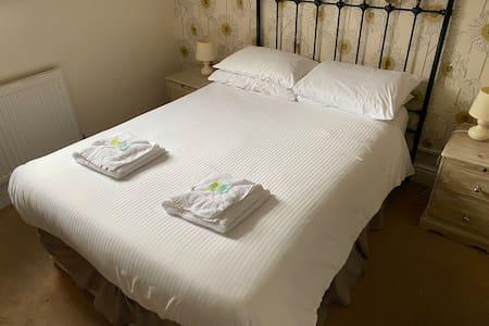 Double room Ensuite | The Fountain Inn