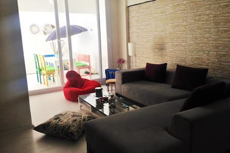 cosy flat in the center of İzmir!100mt to elevator - Konak - Wohnung