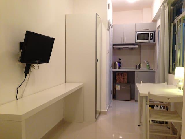 Modern clean apartment *the BEST location TST MTR*
