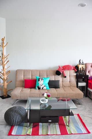 SALE! HuahinSoi5Apartment,Beach,ExtenedCheckin/out
