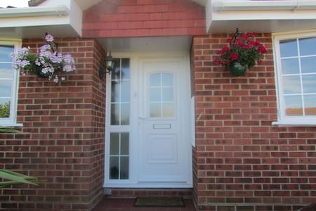 Clean smart double in quiet area - Peacehaven